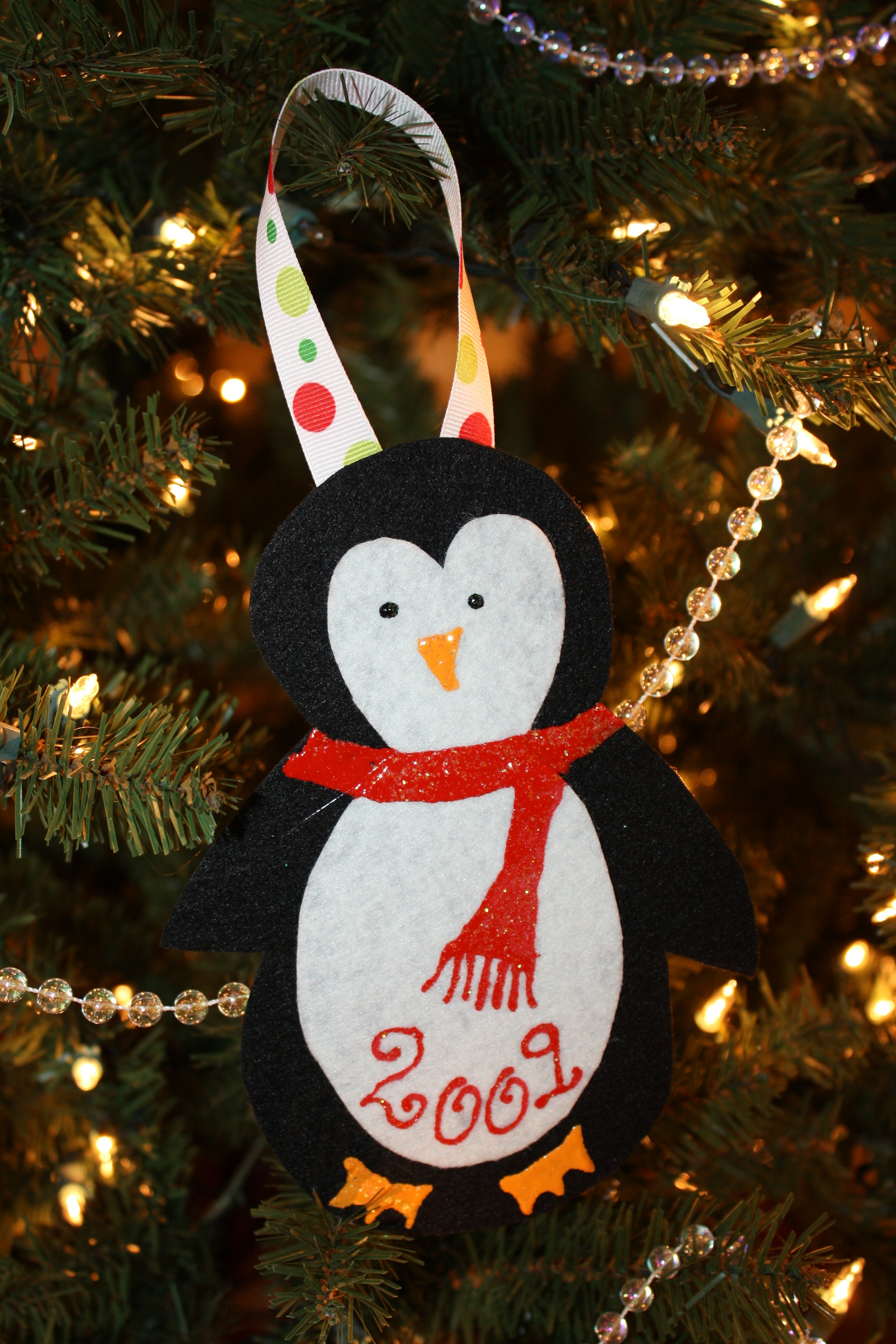 Christmas Crafts - Homemade Felt Ornaments - Happy Home Fairy