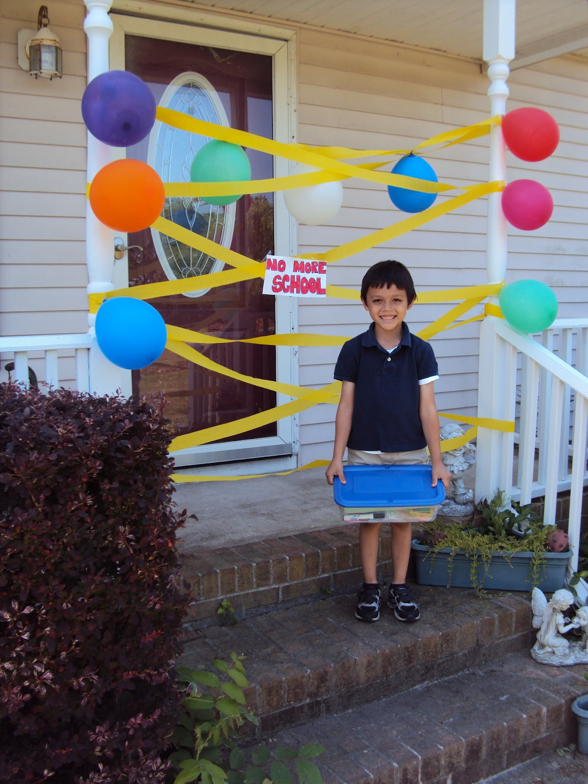 Fun ways to celebrate the last day of school happy home for Welcome home decorations