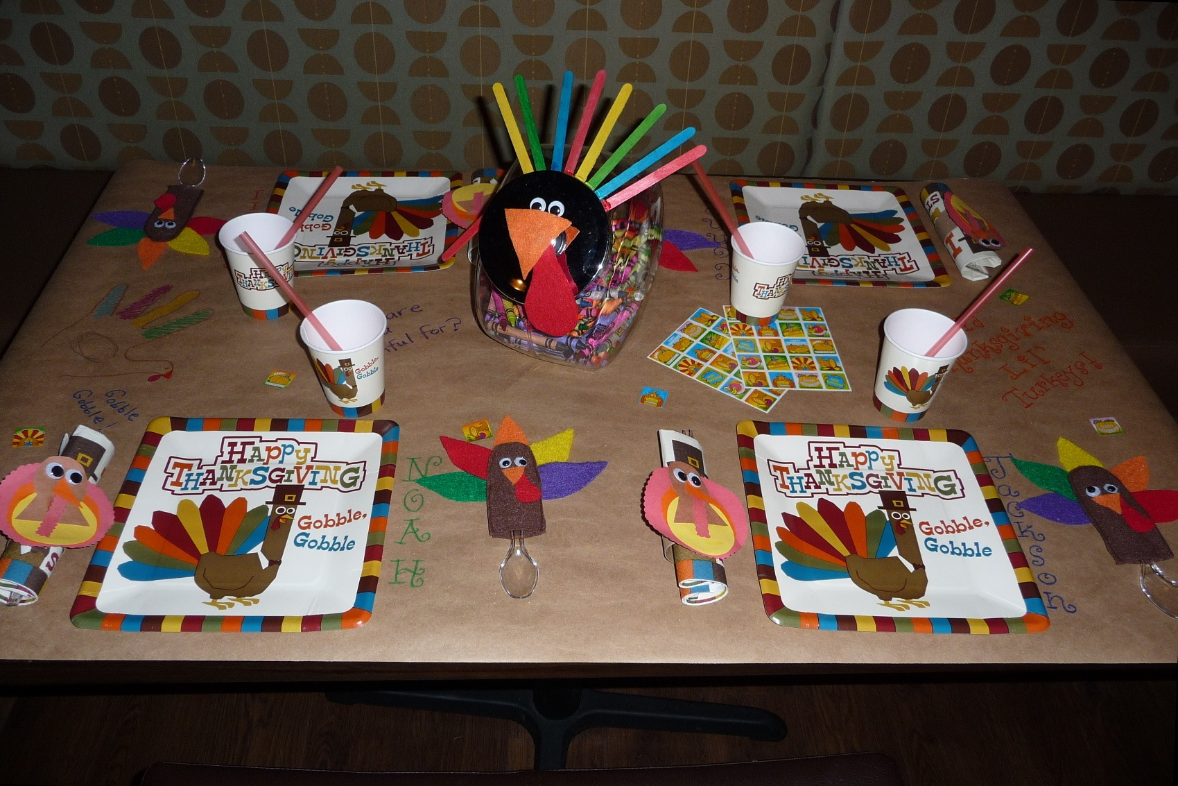 & Thanksgiving Kidu0027s Table Ideas - Happy Home Fairy