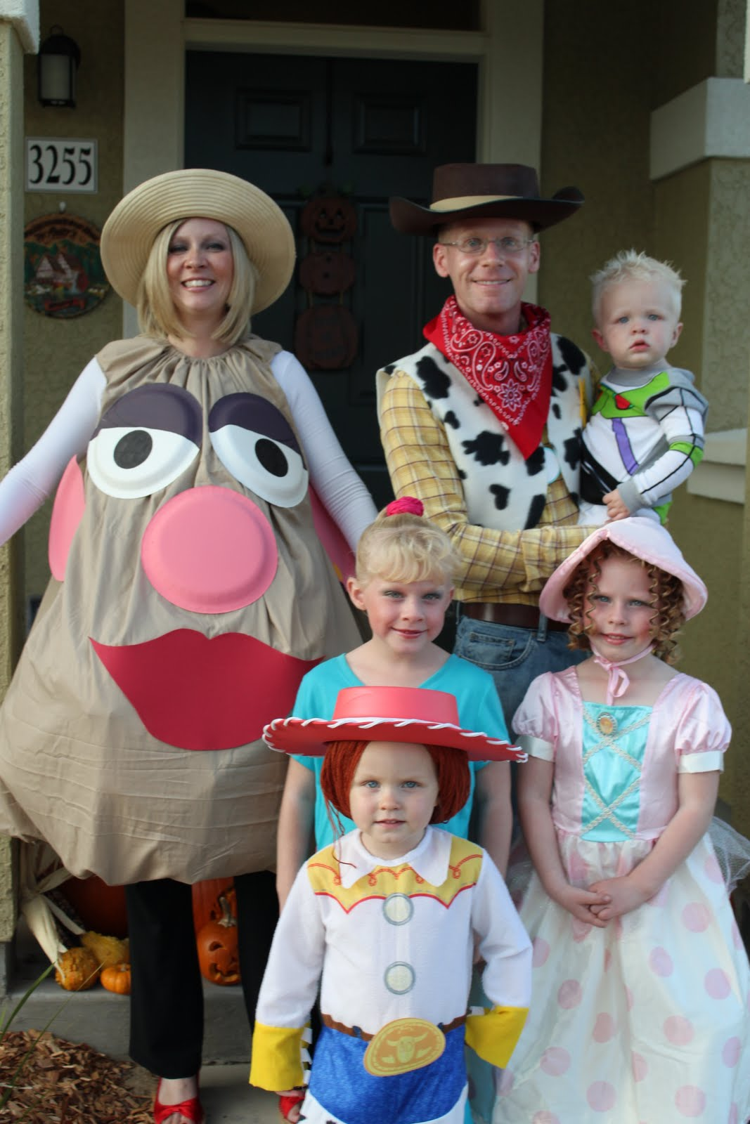 Fun Halloween Costume Ideas for the Family - Happy Home Fairy